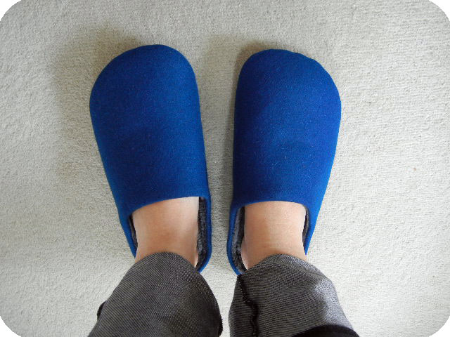 足にフィットするへたりにくいスリッパ履いてみました。