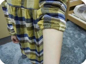 腕まくりできるチュニックパジャマ。