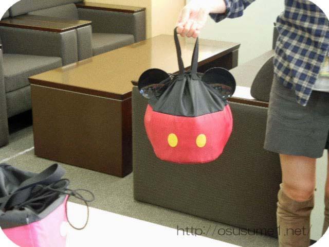 持ち運べる袋付きお重。