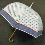 こだわりの遮光率99%以上。定番人気のベルメゾン「晴雨兼用二重張りUV木棒日傘」