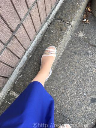 クロックス イザベラ ワラチェ 2.0 フラット ウィメンを履くとこんな感じです。